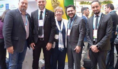 Michael Nagy, diretor do Rio Convention & Visitors Bureau; Ori Lahav, vice-presidente da KENES GROUP; Sarha Storie-Pugh, diretora executiva da IAPCO; Gilson Lira e Wilson Andrade, da Embratur.