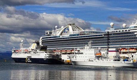 Navio de Cruzeiros - Turismo on line