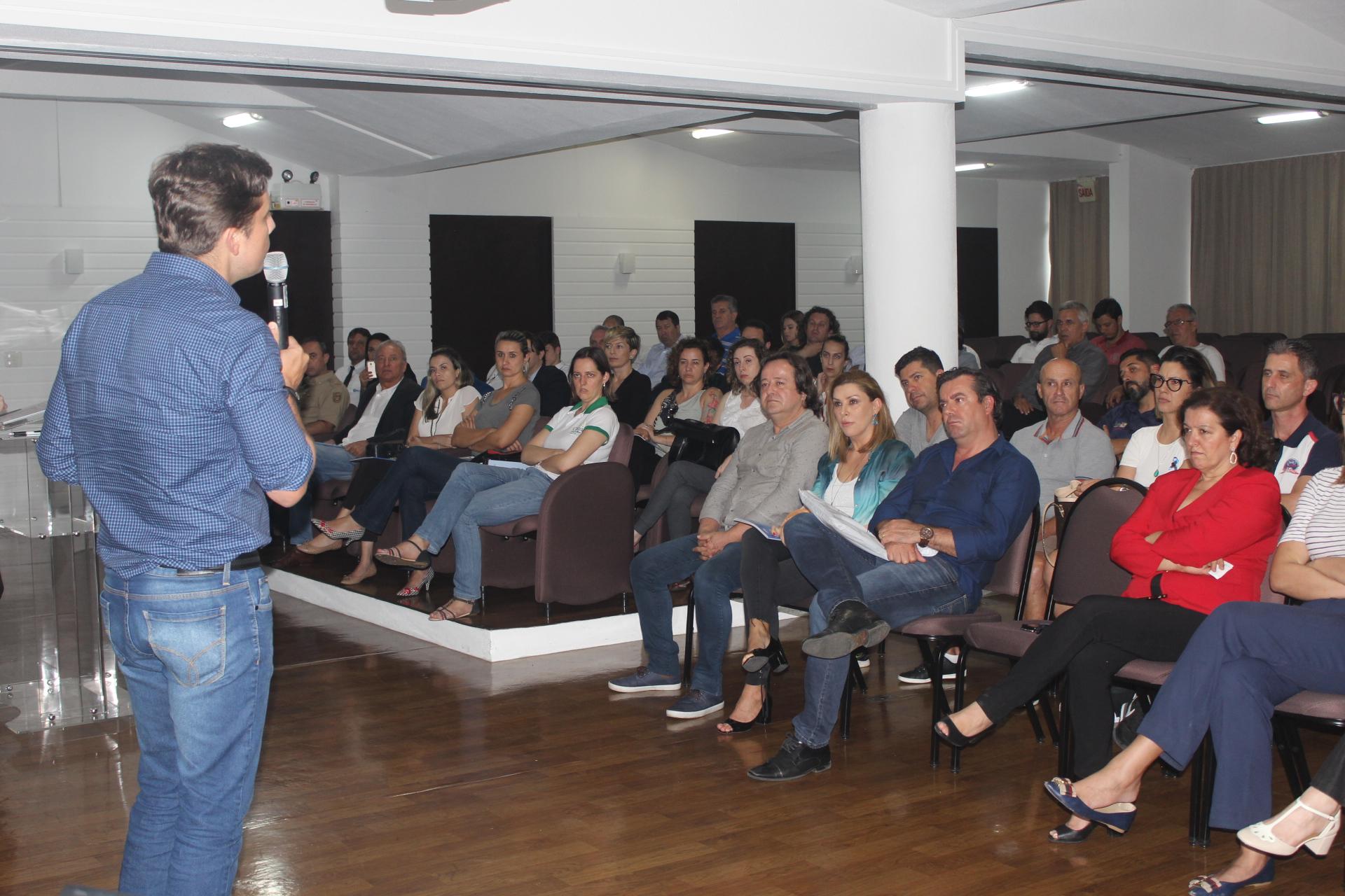 """Projeto """"Visite BC & Região"""" - Turismo on Line"""