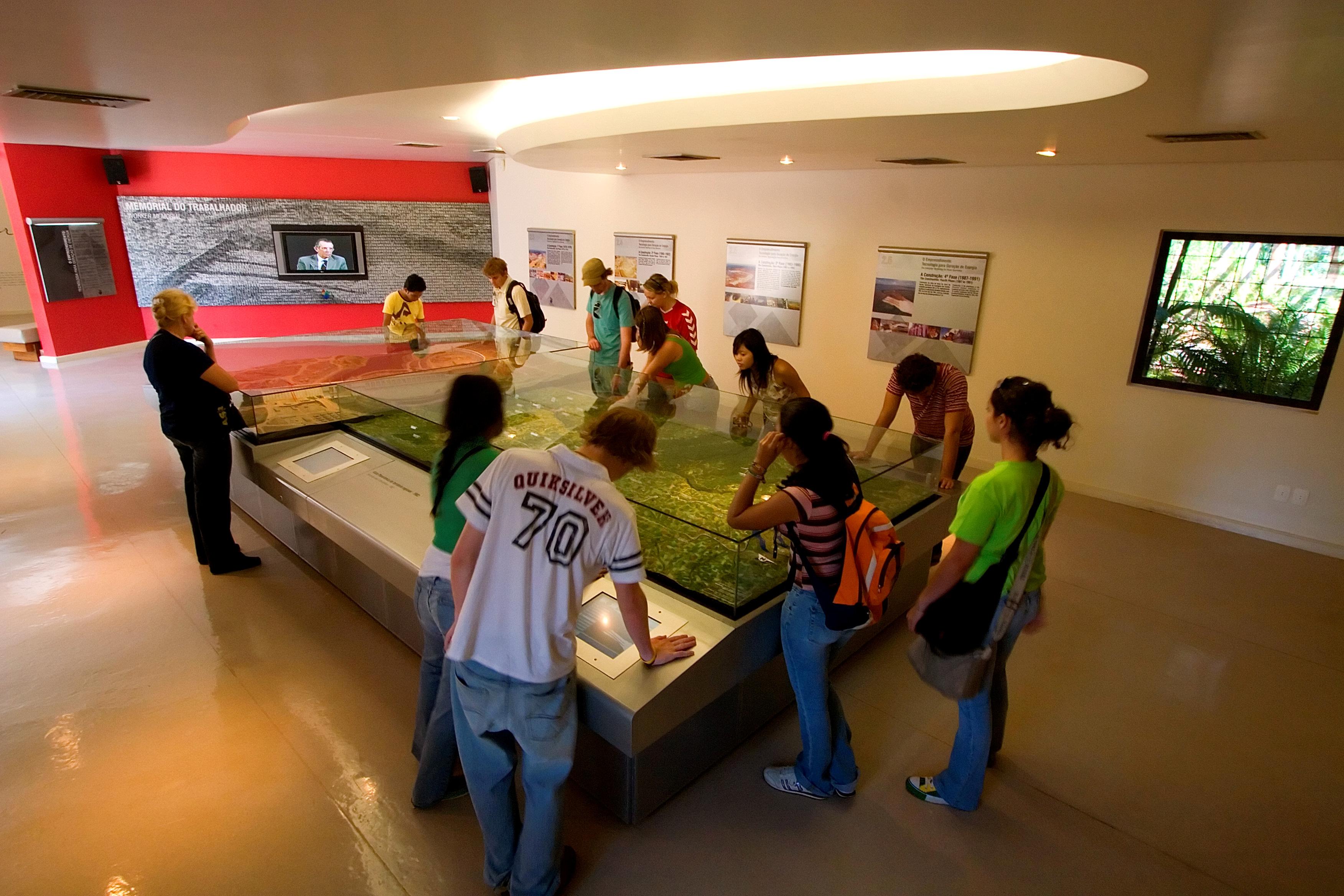 Movimento de turistas na Itaipu sobe 17,5% no feriado de Páscoa