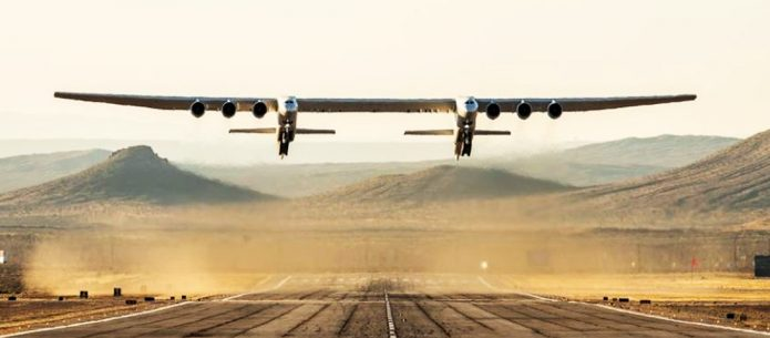 Stratolaunch, maior avião do mundo faz testes no deserto de Mojave