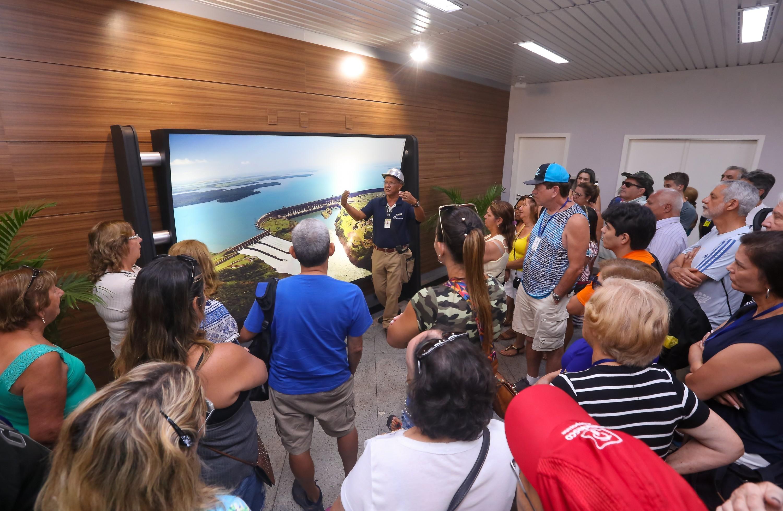 Semestre histórico de turistas em Itaipu