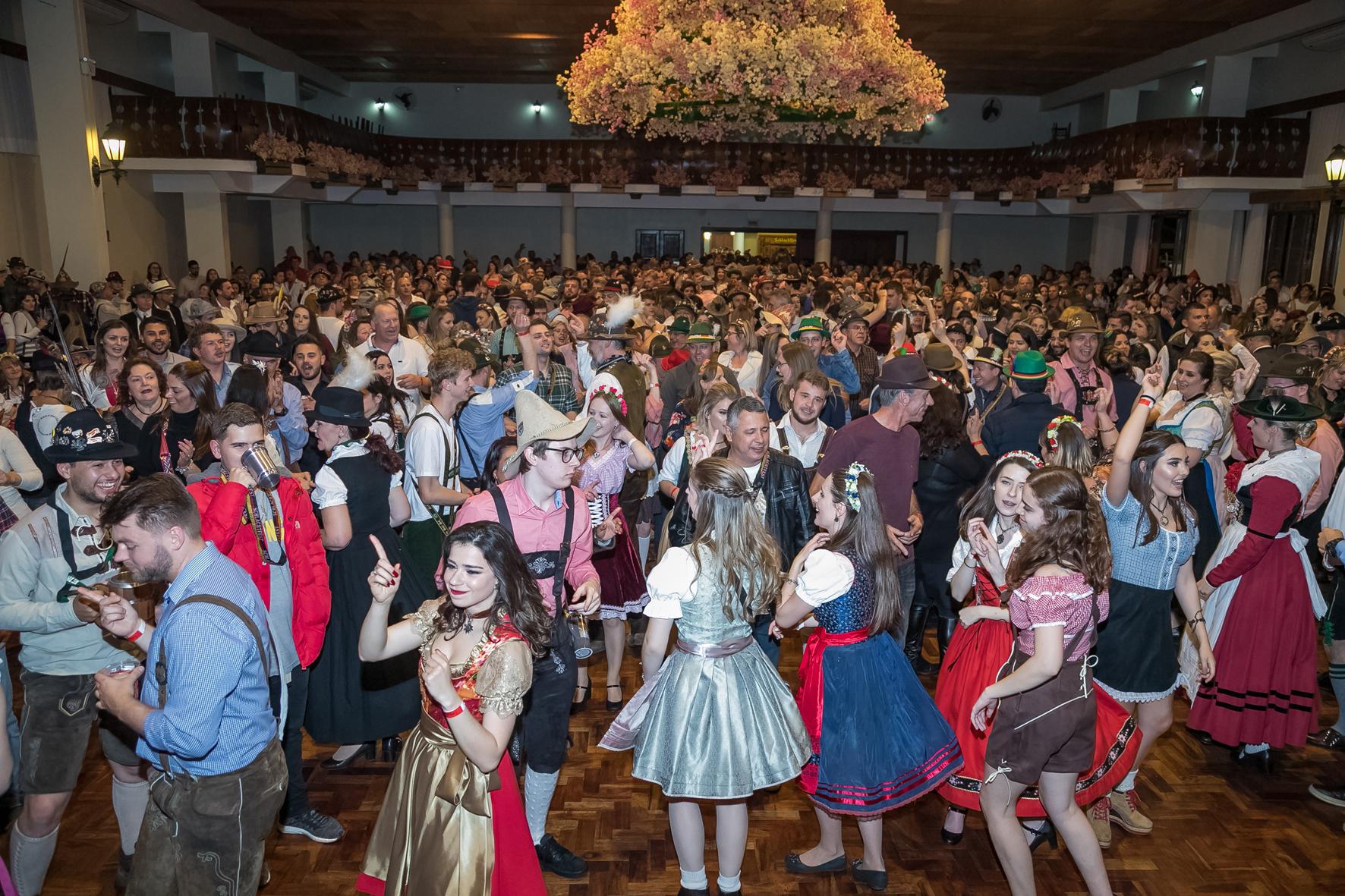 Schalachtfest inicia festas catarinenses