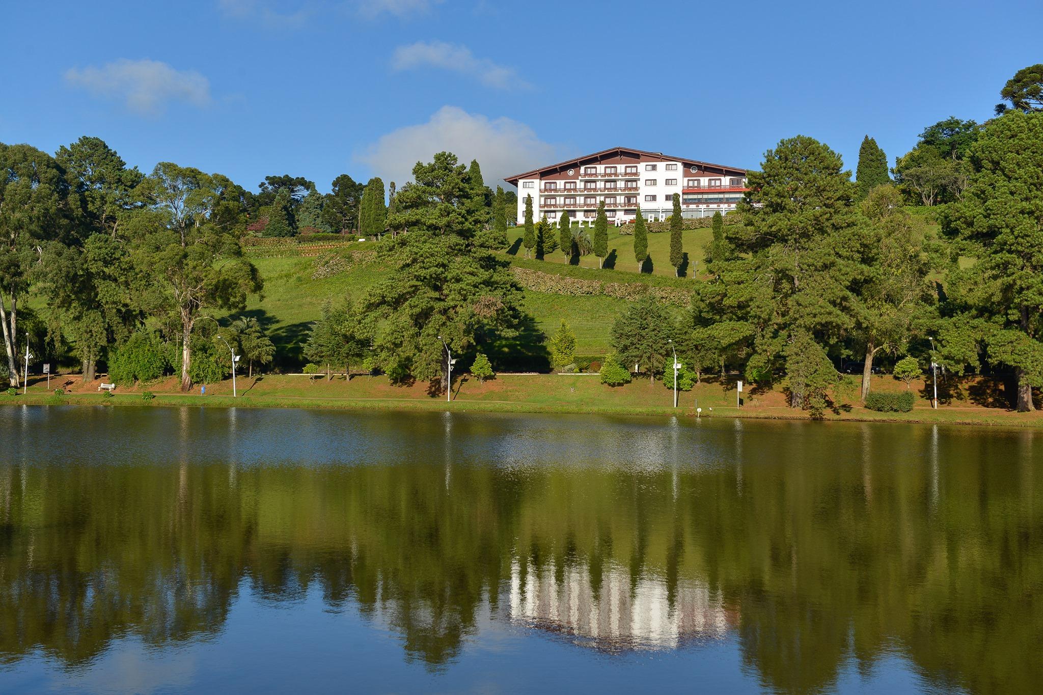 Majestoso Hotel Renar em Fraiburgo - Terra da Mação - Vale do Contestado - Santa Catarina