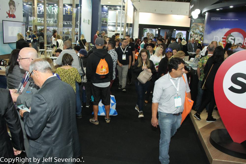 Realizada pela Associação Brasileira de Agências de Viagens (ABAV Nacional), a ABAV Expo é uma das feiras brasileiras de maior longevidade e considerada a maior e mais importante para o setor de negócios de turismo.