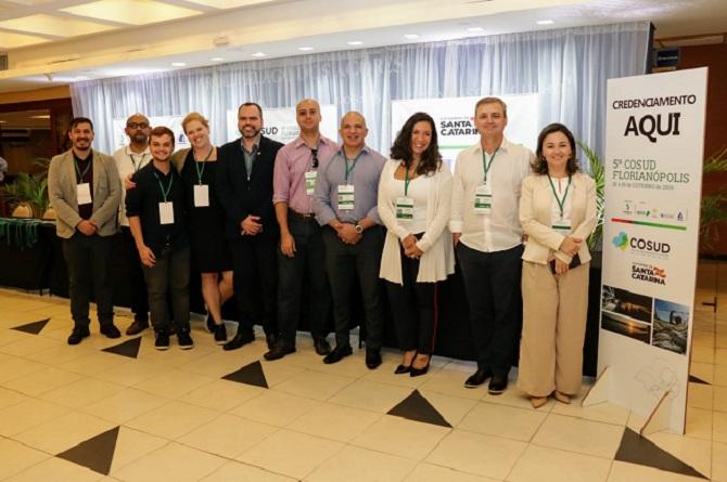 A reunião do Grupo de Trabalho do Turismo no 5º Encontro do Consórcio de Integração Sul e Sudeste (Cosud), que terminou no último sábado (19), em Florianópolis, foi marcada por uma aproximação com outros três segmentos