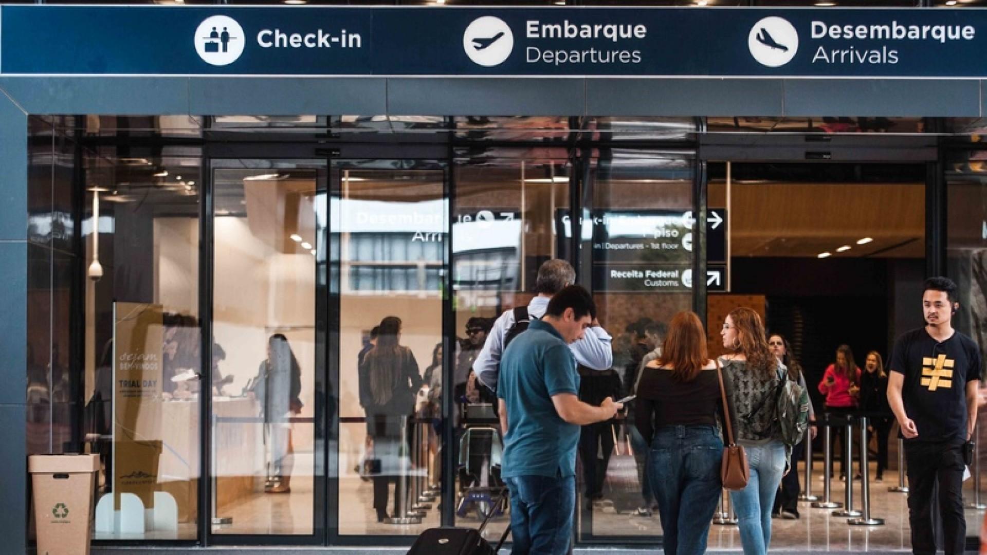 Com relação aos questionamentos do Procon Municipal de Florianópolis, a Floripa Airport esclarece que, desde a abertura do novo aeroporto em 1º de outubro, vem fazendo análise diária do fluxo de veículos