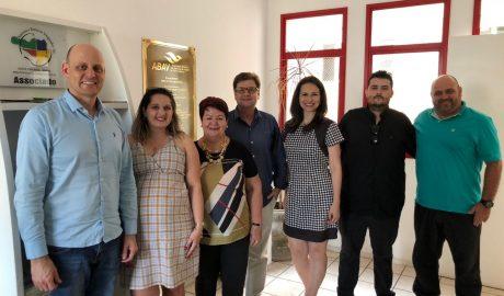 """Transpirando união, a chapa única da ABAV-SC, """"INOVAÇÃO"""" foi eleita por aclamação na tarde desta quarta-feira, em sua própria sede em Florianópolis."""