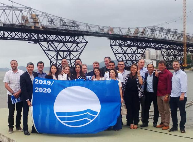 O Secretário Municipal de Turismo, Tecnologia e Desenvolvimento Econômico, Juliano Richter Pires, participou do evento de certificação Bandeira Azul