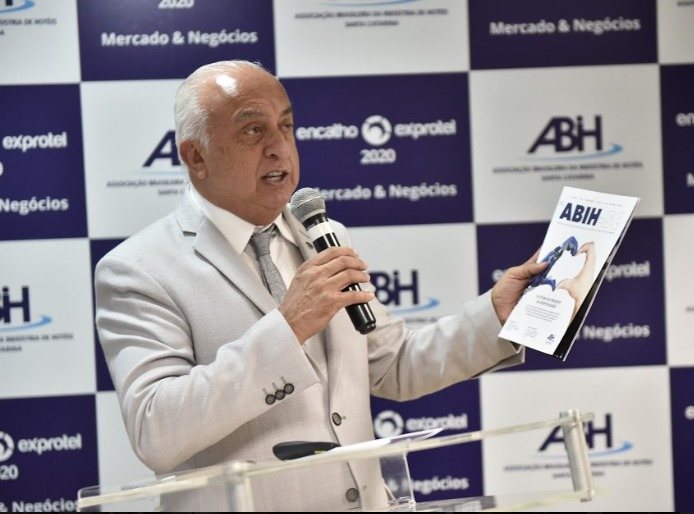 Osmar José Vailatti, Diretor-presidente DA ABIH-SC