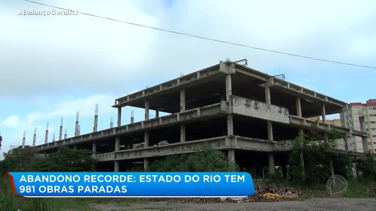 Estado do RJ tem quase mil obras paradas