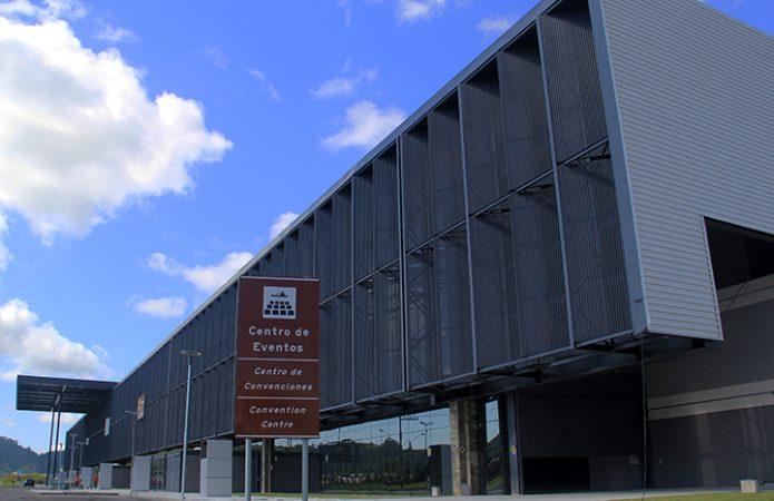Santur lança processo de concessão do Centro de Eventos de Balneário Camboriú