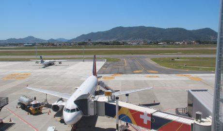 Malha aérea essencial de maio em Florianópolis mantém média de voos