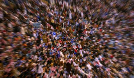 Num crescendo constante, a população do globo terrestre atinge 8 bilhões