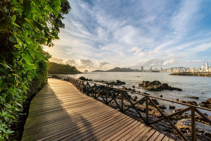 Covid-19 e dólar em alta aquecem busca por hotéis no Brasil