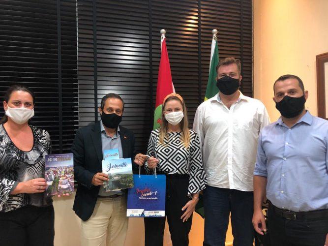 Turistas estrangeiros poderão entrar no Brasil com o comprovante de vacinação